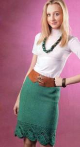 Прямая вязаная юбка крючком с ажурной отделкой