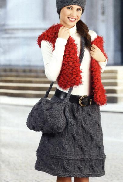 вязаный комплект спицами юбка и сумочка
