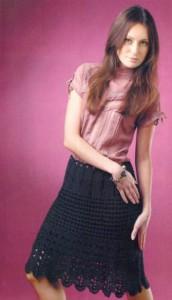 Элегантная вязаная юбка крючком черная