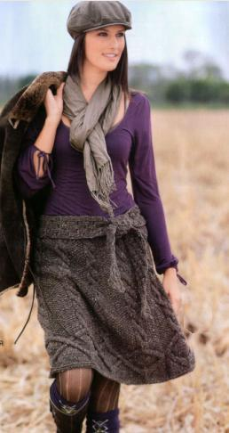Расклешенная вязаная юбка спицами из шерсти