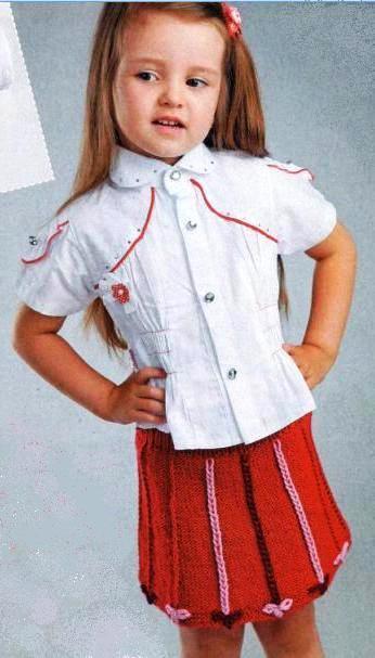 Вязанная юбка для девочки спицами с вышивкой