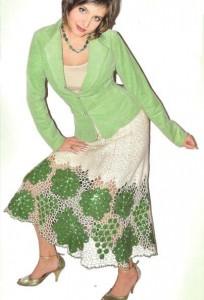 расклешенная юбка крючком с узором виноград