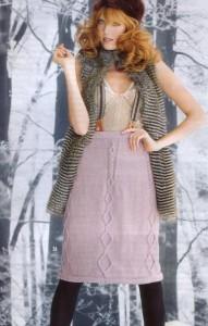 Светлая вязаная юбка с аранским узором