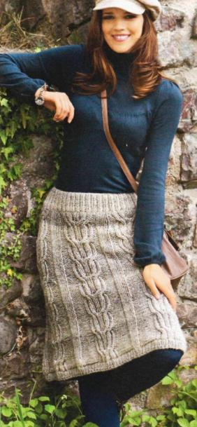 теплая вязаная юбка спицами из меланжевой пряжи фото