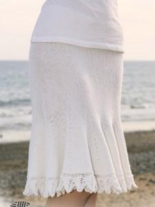 белая вязаная юбка годе спицами