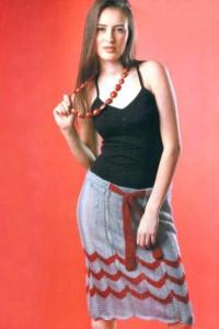 вязанная юбка миди спицами с зигзагами