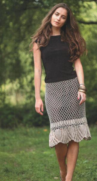 ажурная вязаная юбка крючком с сетчатым узором и каймой из ананасов