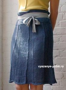 фото синяя вязаная юбка спицами из клиньев