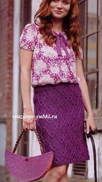 красивая вязаная юбка спицами с рельефным узором