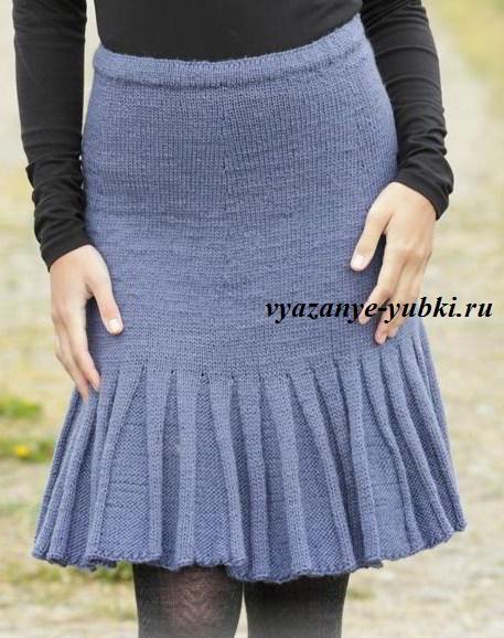 вязаная юбка спицами с воланом из складок