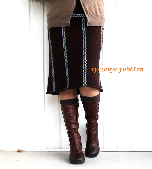 коричневая вязаная юбка спицами